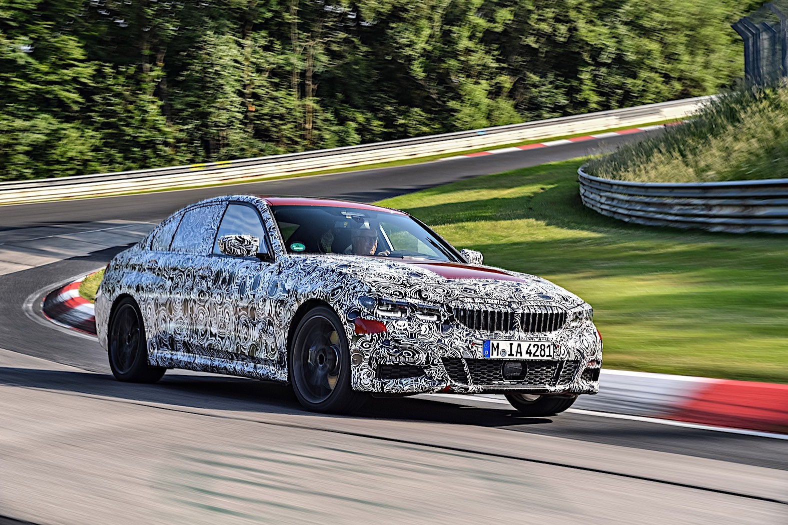 BMW 3-Series 2019 official spy photos 30