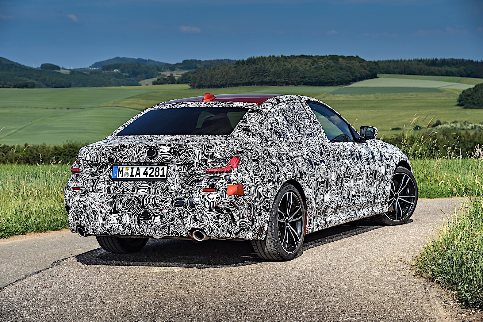 BMW 3-Series 2019 official spy photos 37