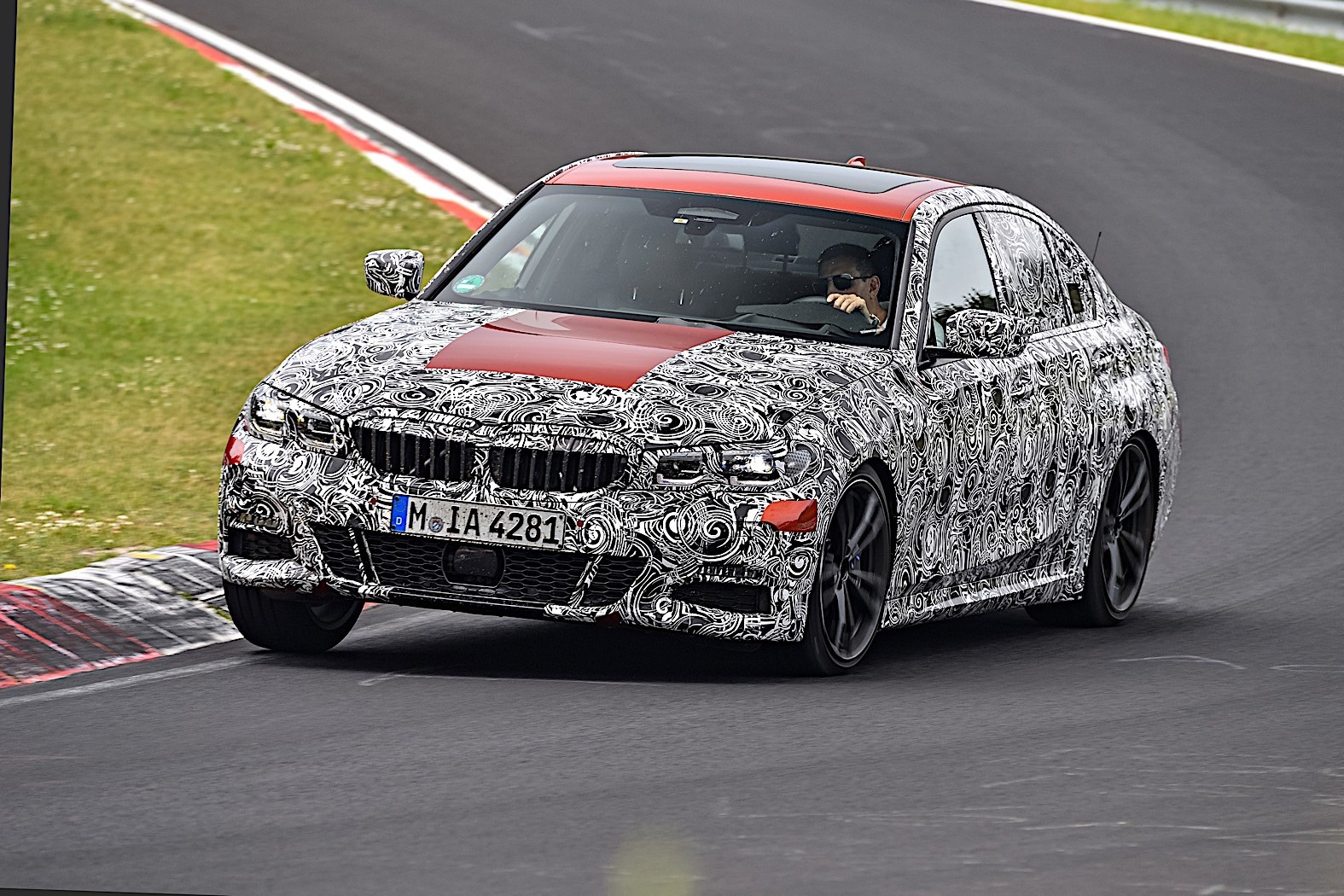 BMW 3-Series 2019 official spy photos 4