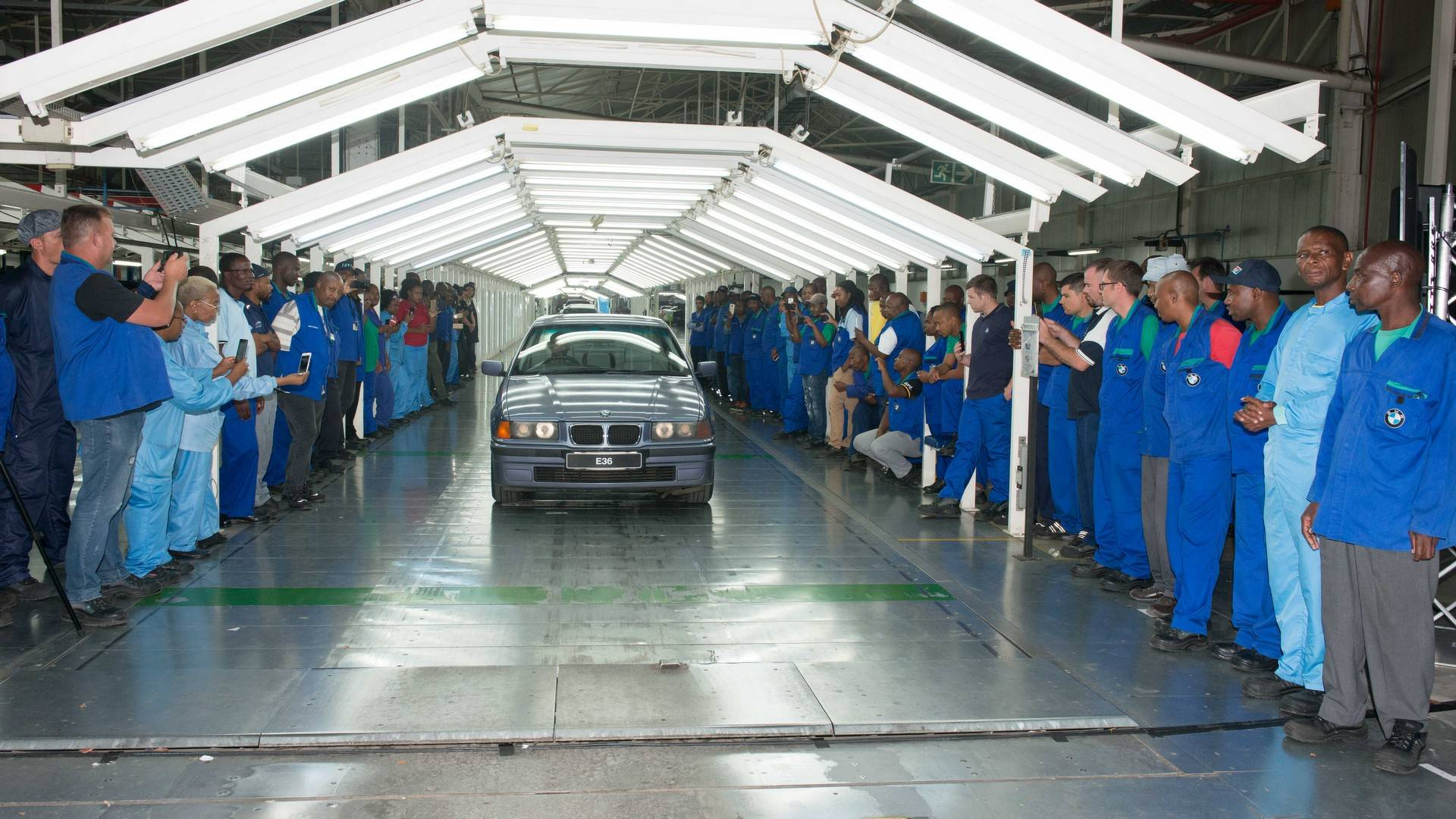 BMW_3_Series_built_Rosslyn_factory_South_Africa_0000