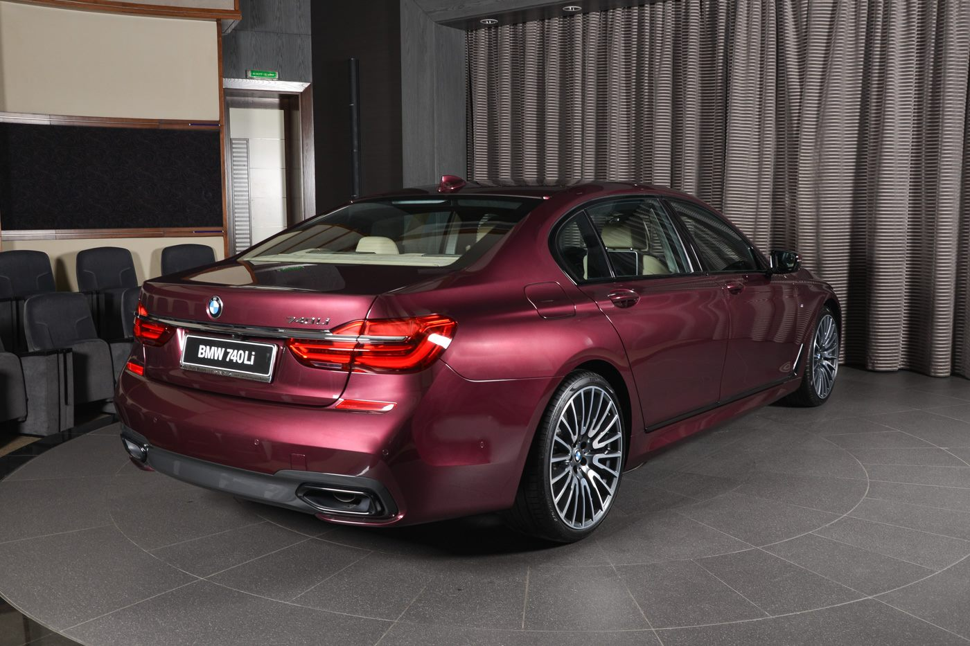 BMW_740Li_Wildberry_02