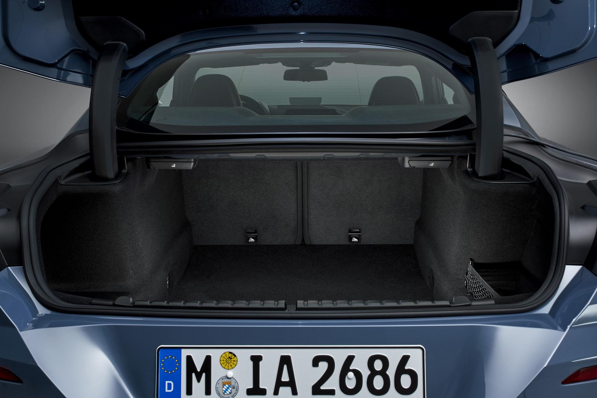 BMW 8-Series 2019 (78)