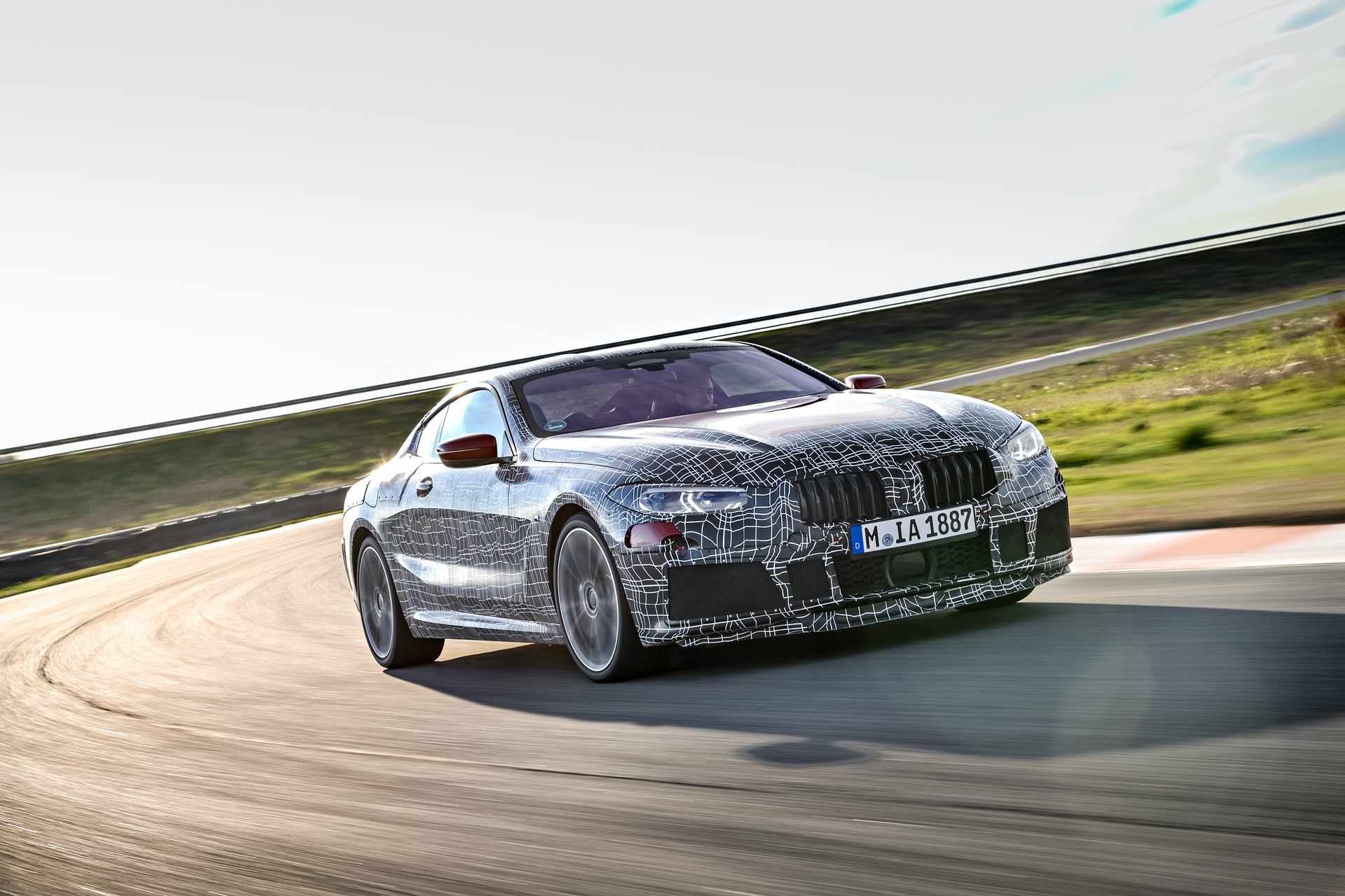 BMW_8_Series_camo_0007