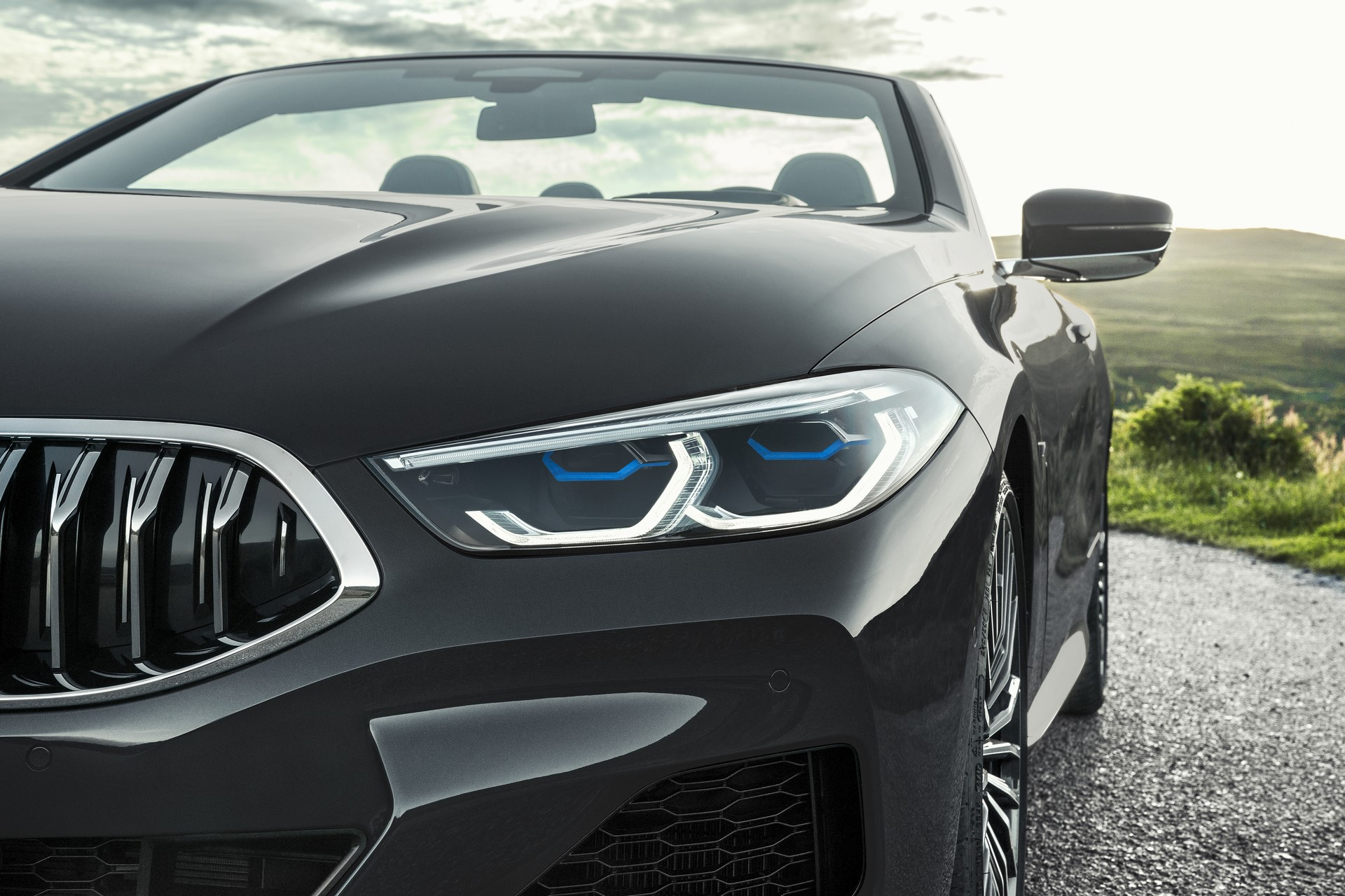 BMW 8 Series Convertible 2019 (15)