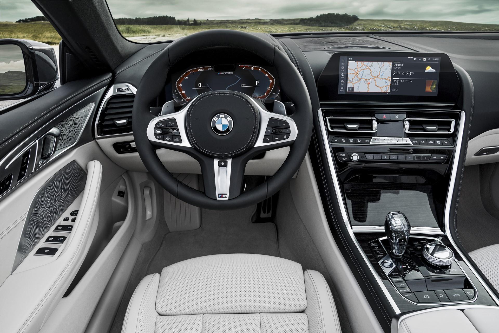 BMW 8 Series Convertible 2019 (19)