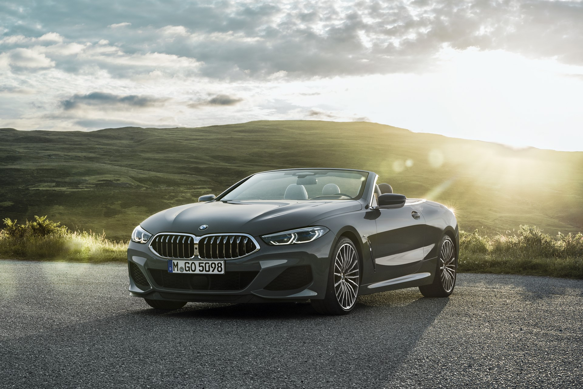 BMW 8 Series Convertible 2019 (28)