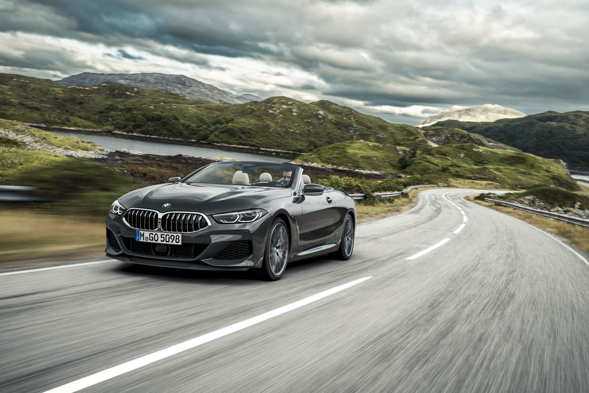 BMW 8 Series Convertible 2019 (3)