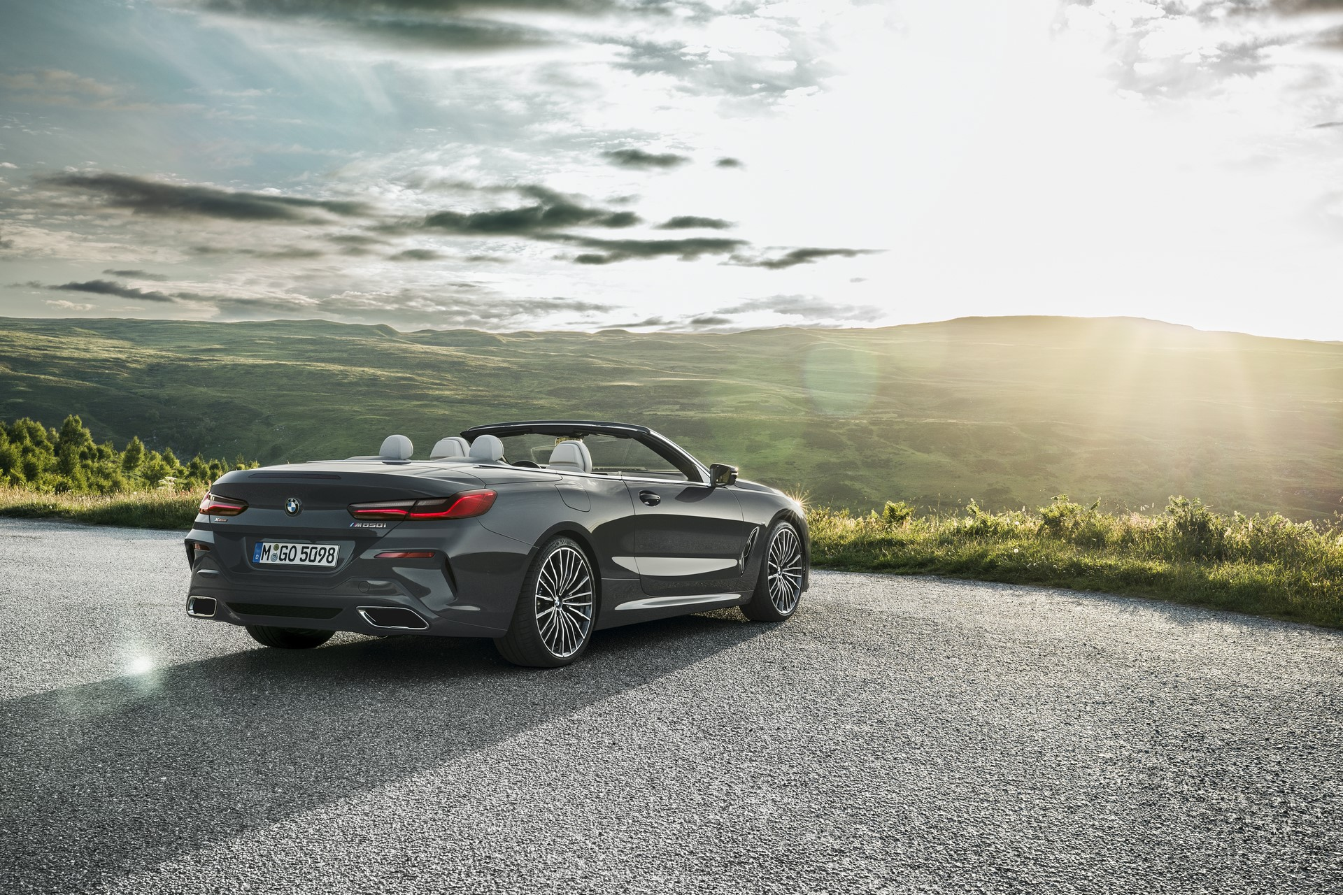 BMW 8 Series Convertible 2019 (37)