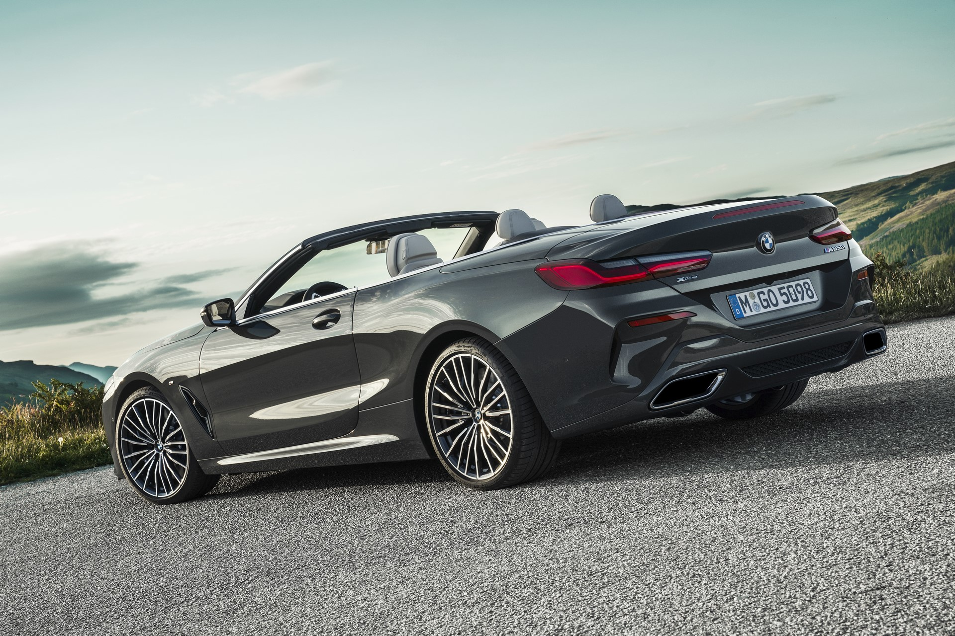 BMW 8 Series Convertible 2019 (41)