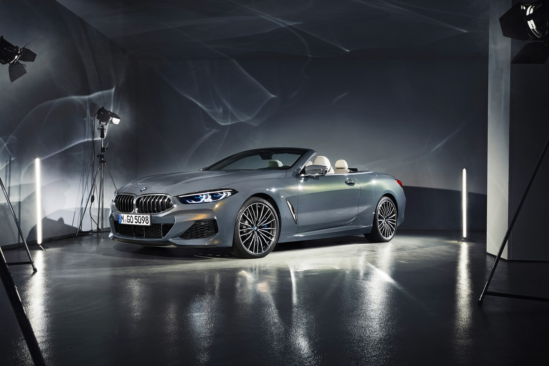 BMW 8 Series Convertible 2019 (43)