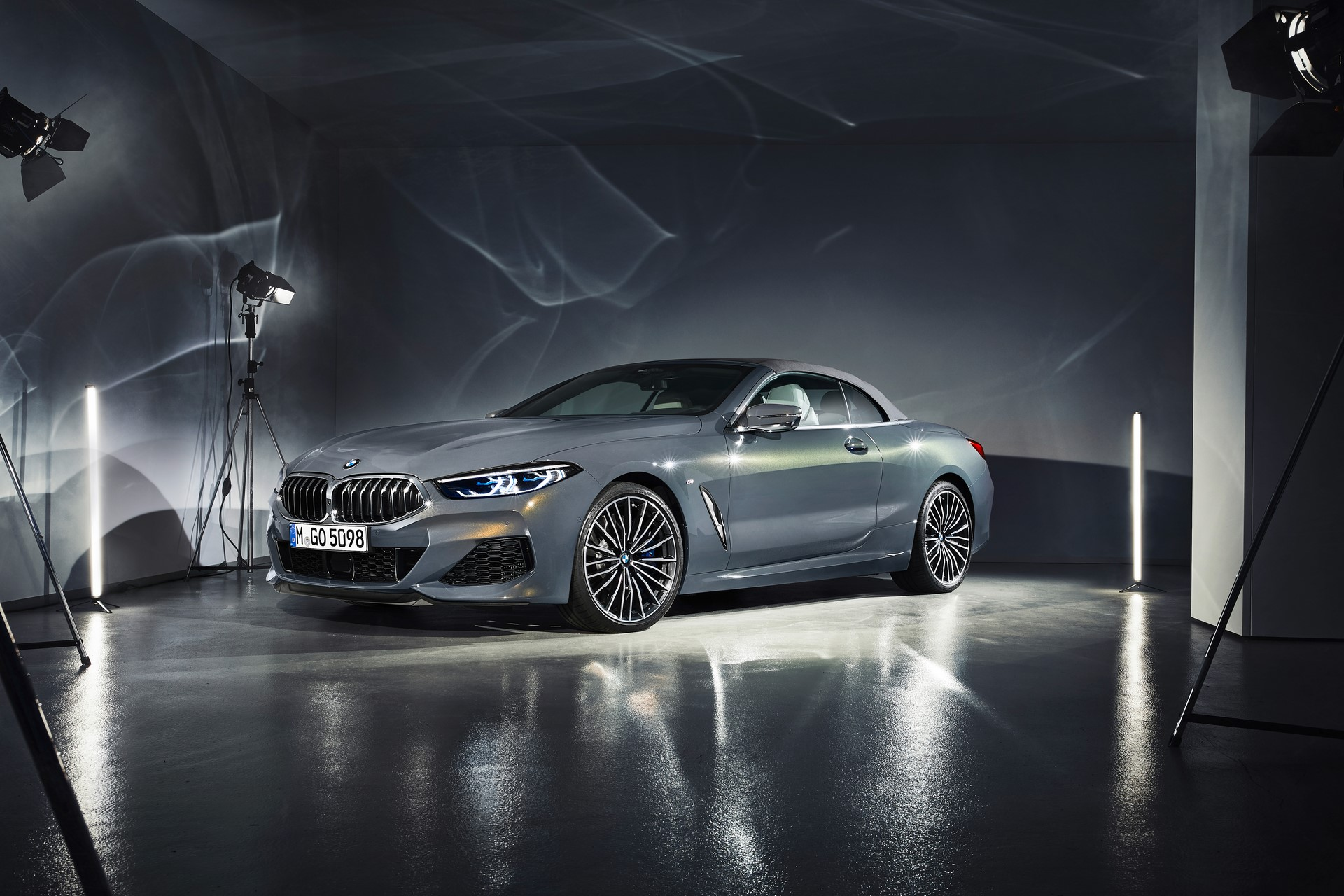 BMW 8 Series Convertible 2019 (44)
