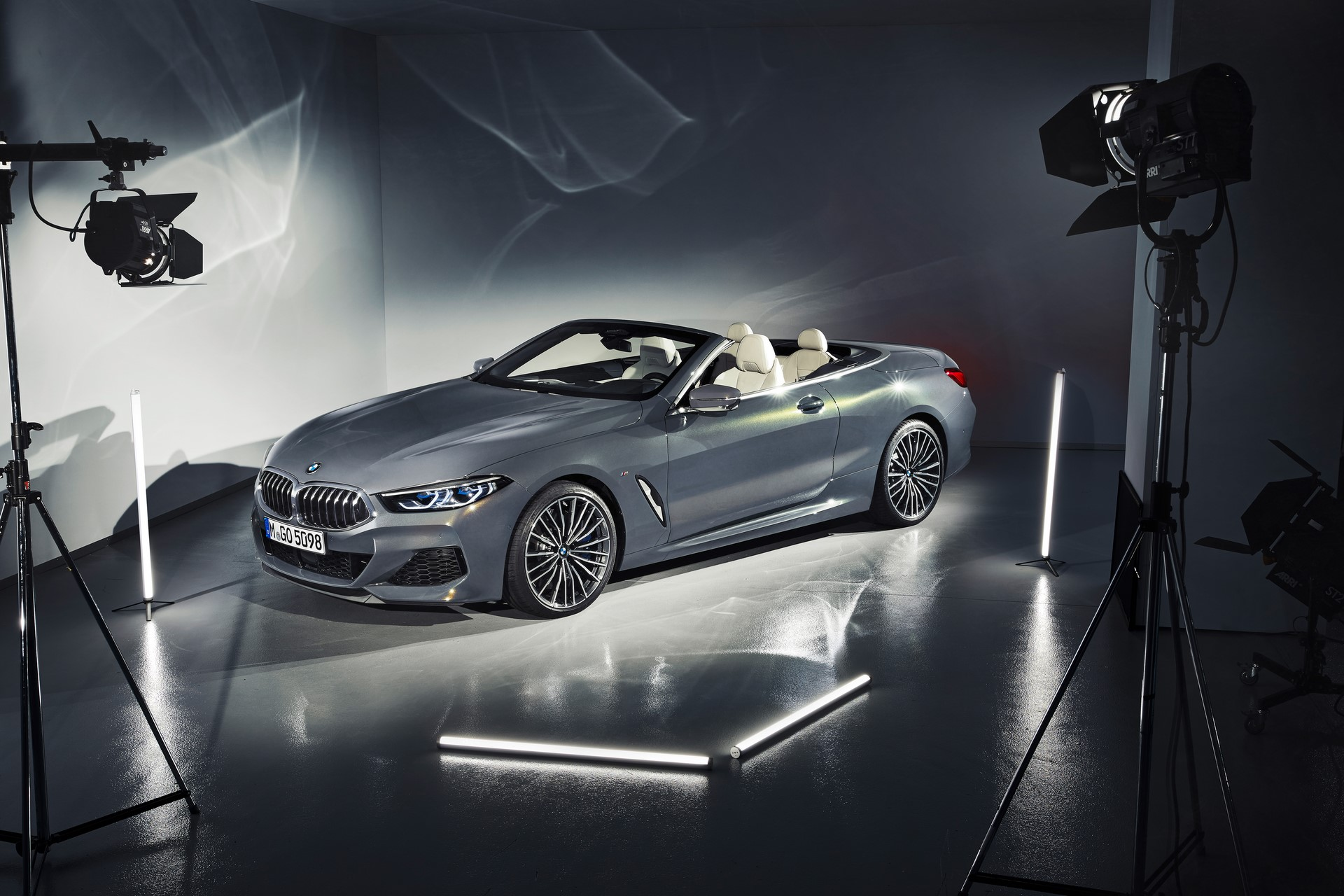 BMW 8 Series Convertible 2019 (45)