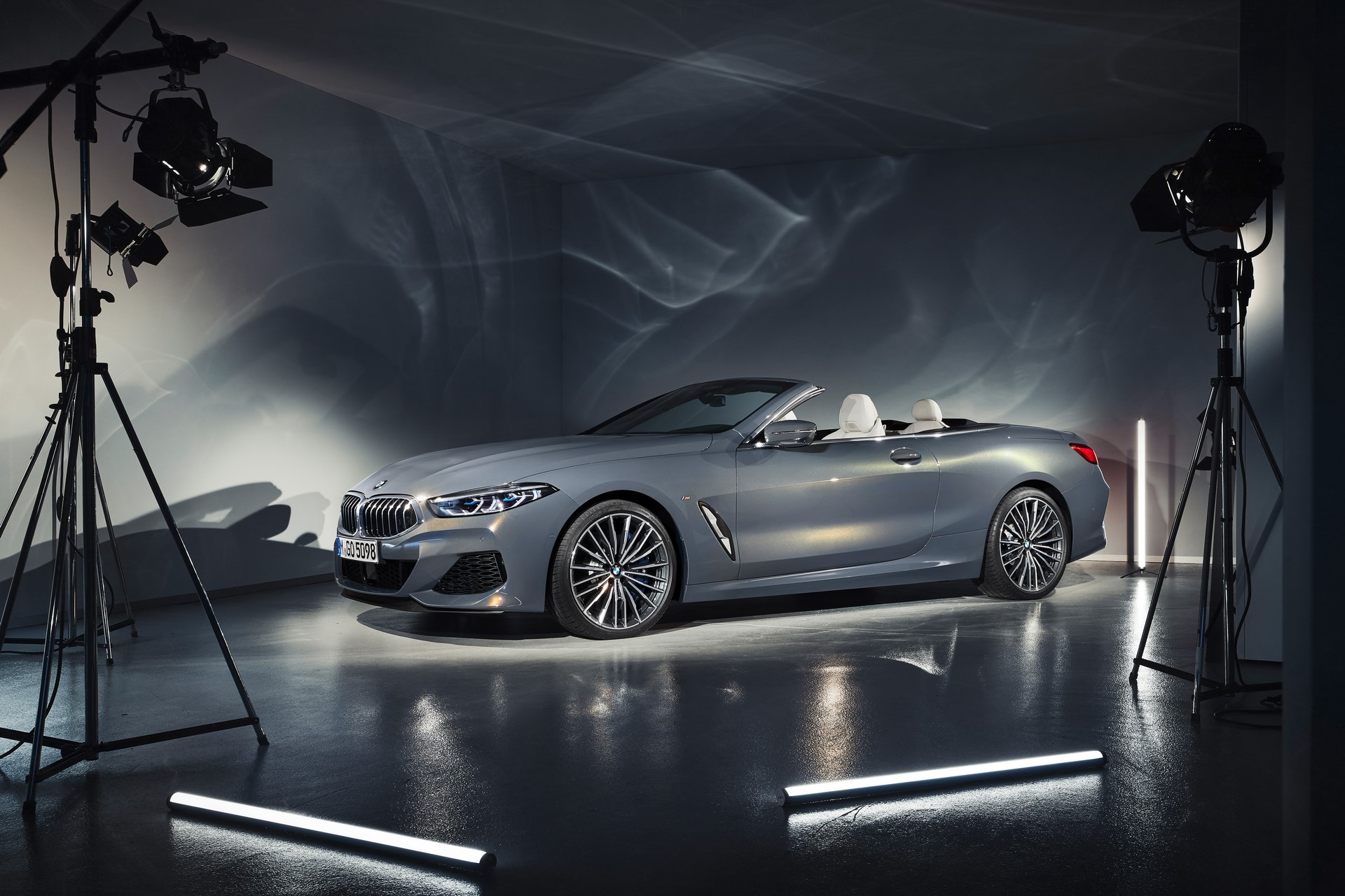 BMW 8 Series Convertible 2019 (47)