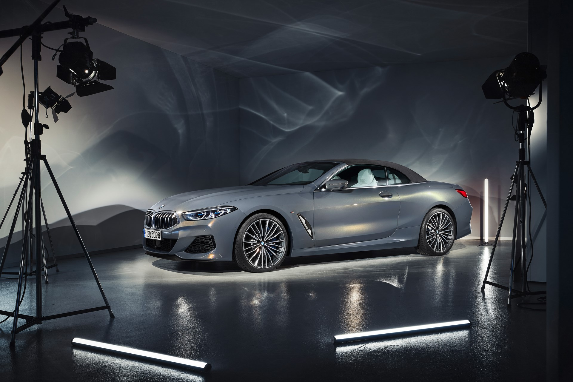 BMW 8 Series Convertible 2019 (48)