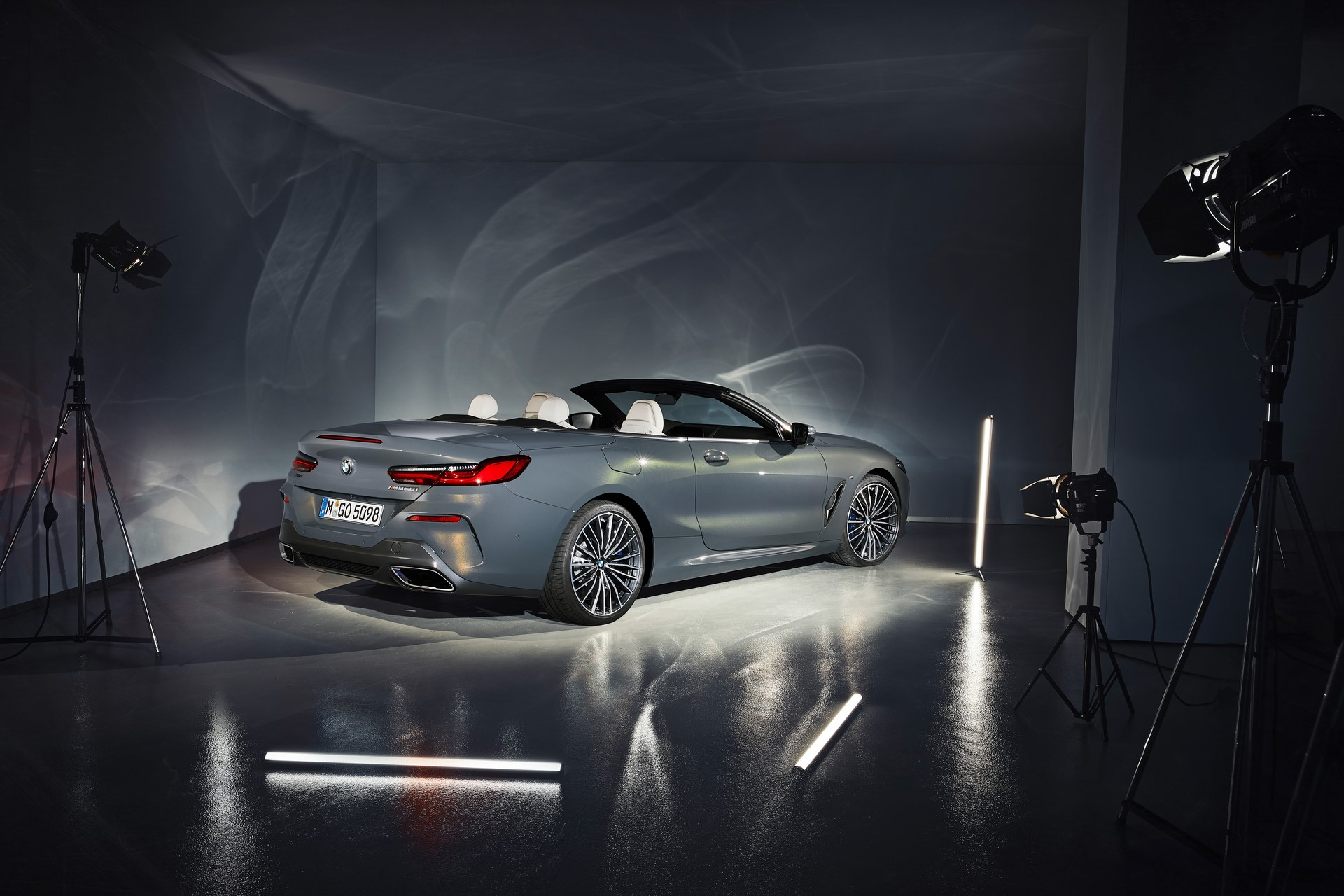 BMW 8 Series Convertible 2019 (49)