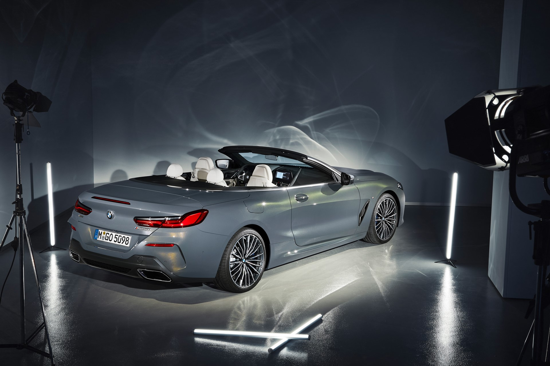 BMW 8 Series Convertible 2019 (51)