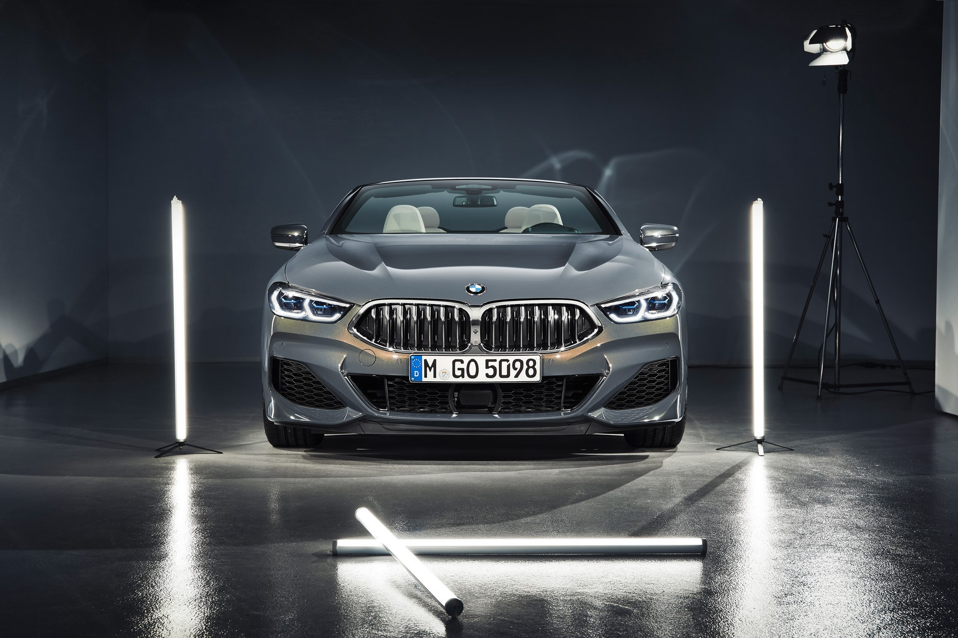 BMW 8 Series Convertible 2019 (52)
