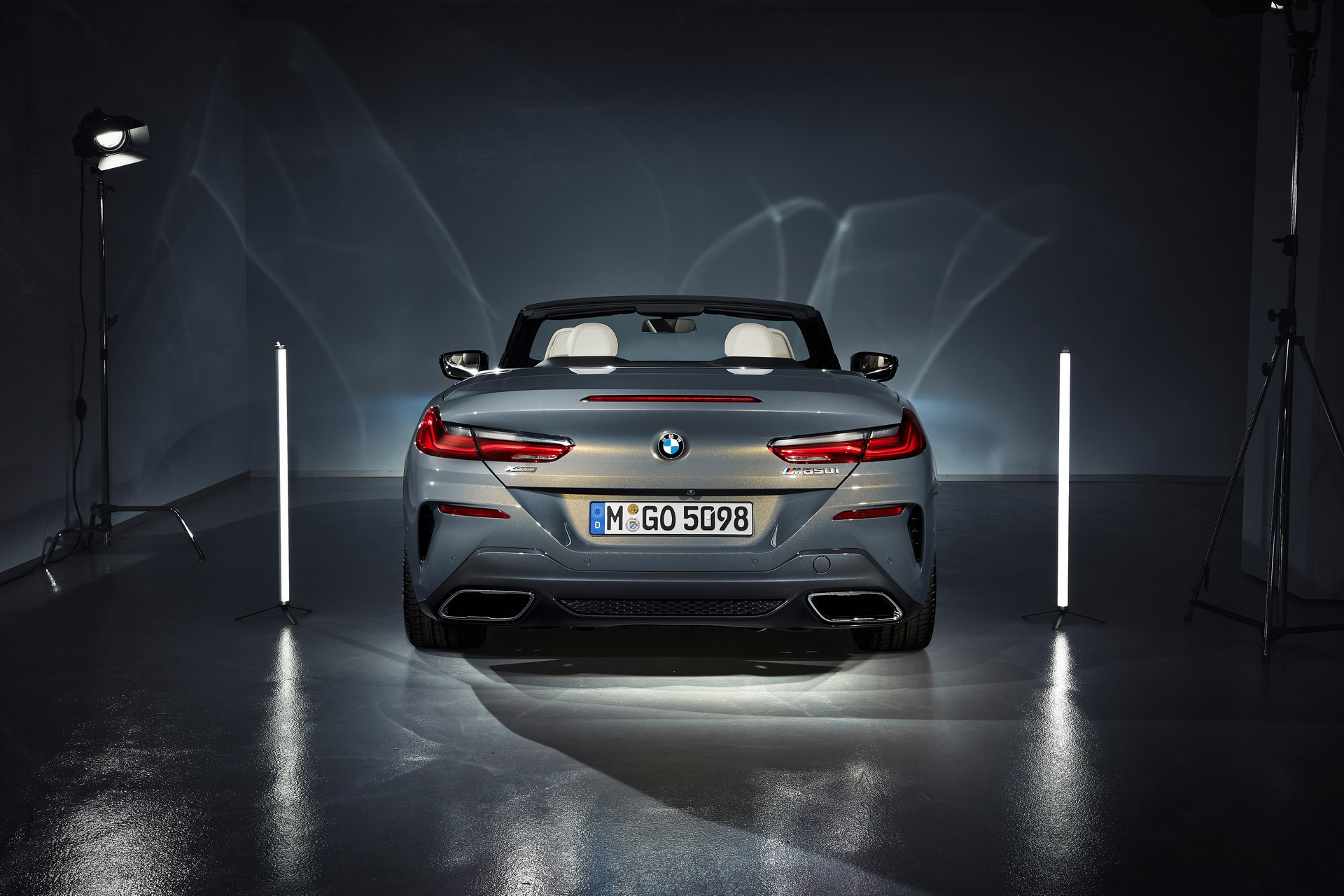 BMW 8 Series Convertible 2019 (53)