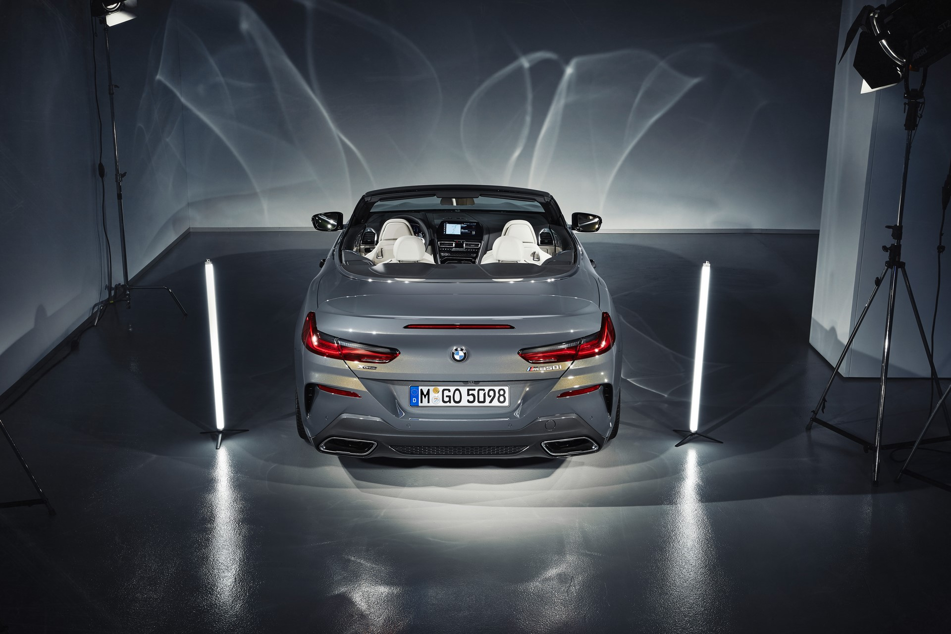 BMW 8 Series Convertible 2019 (54)