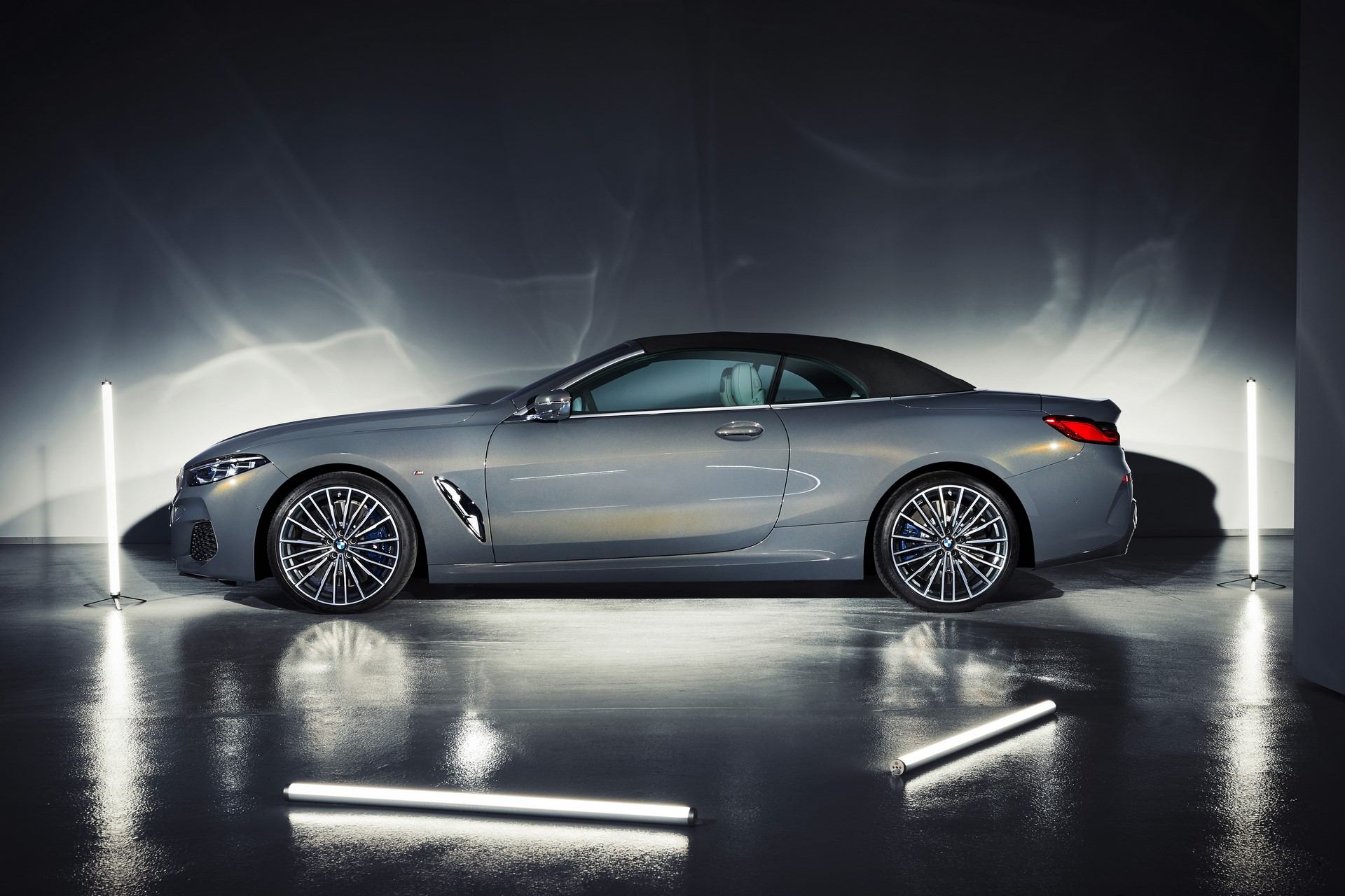 BMW 8 Series Convertible 2019 (57)