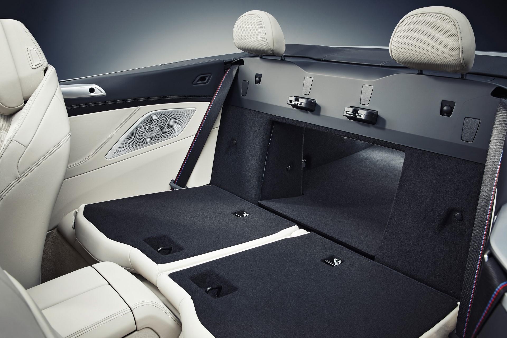 BMW 8 Series Convertible 2019 (70)
