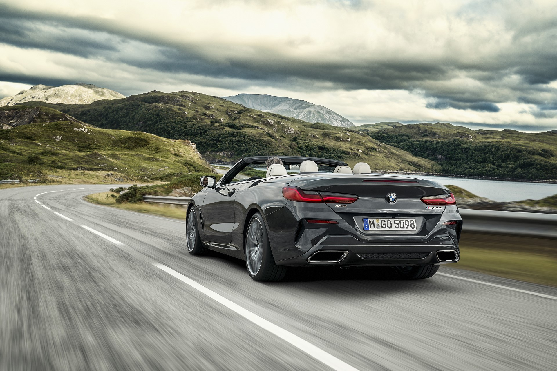 BMW 8 Series Convertible 2019 (8)