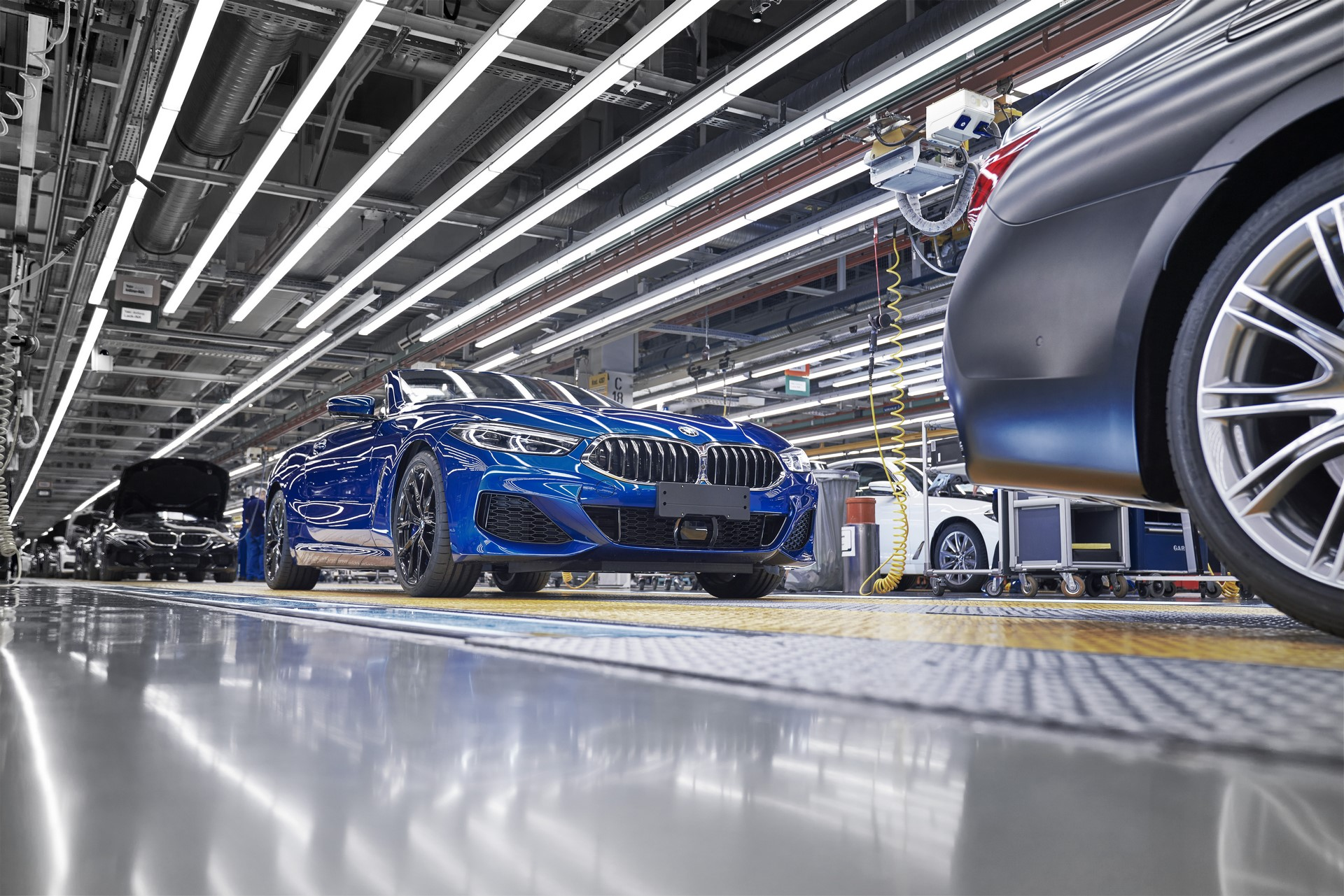 BMW 8 Series Convertible production starts (11)