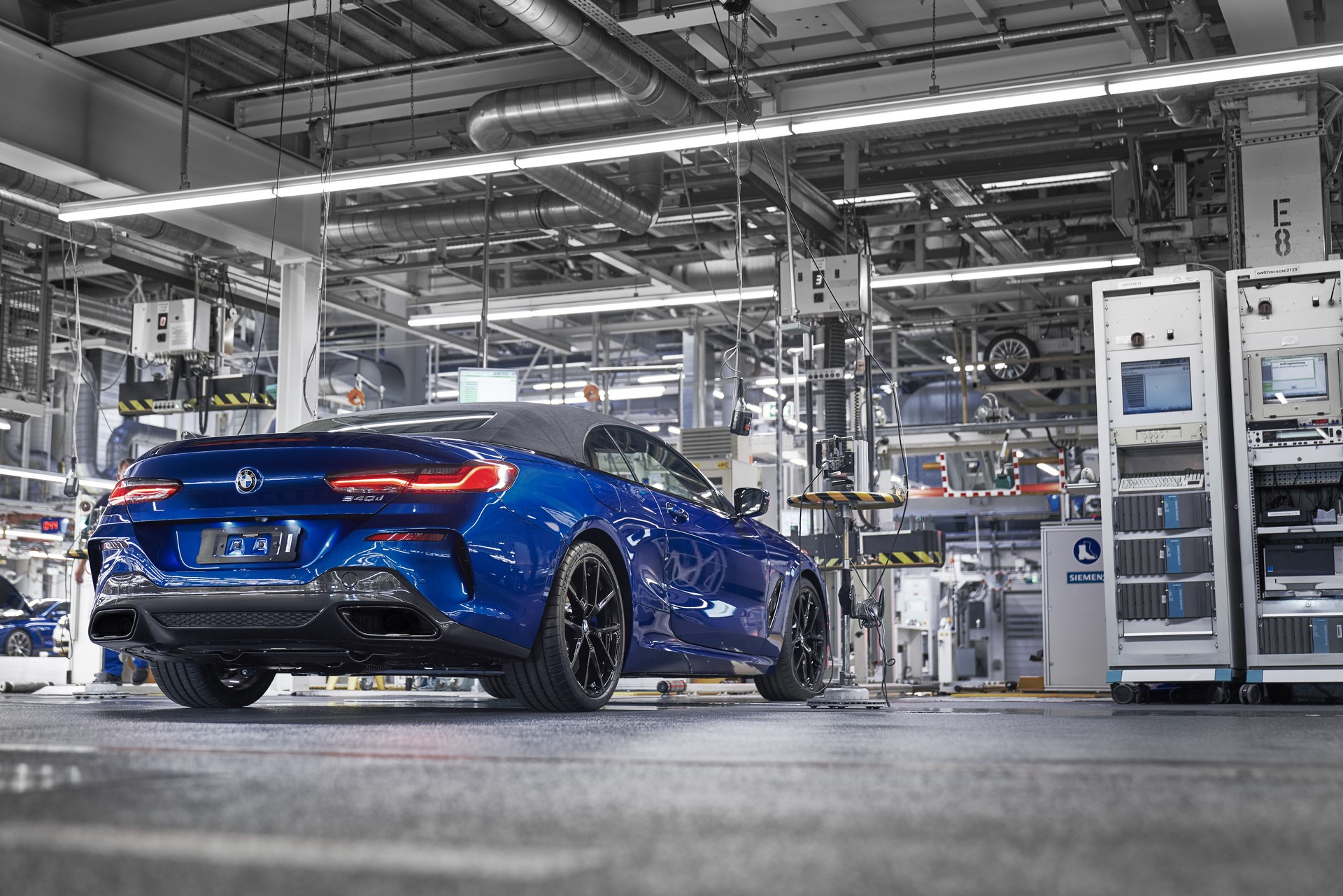 BMW 8 Series Convertible production starts (3)