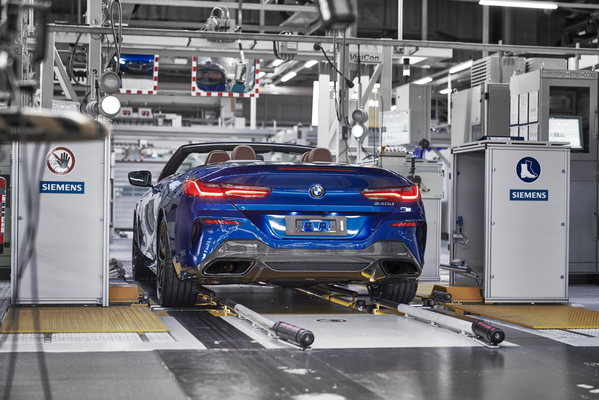 BMW 8 Series Convertible production starts (8)