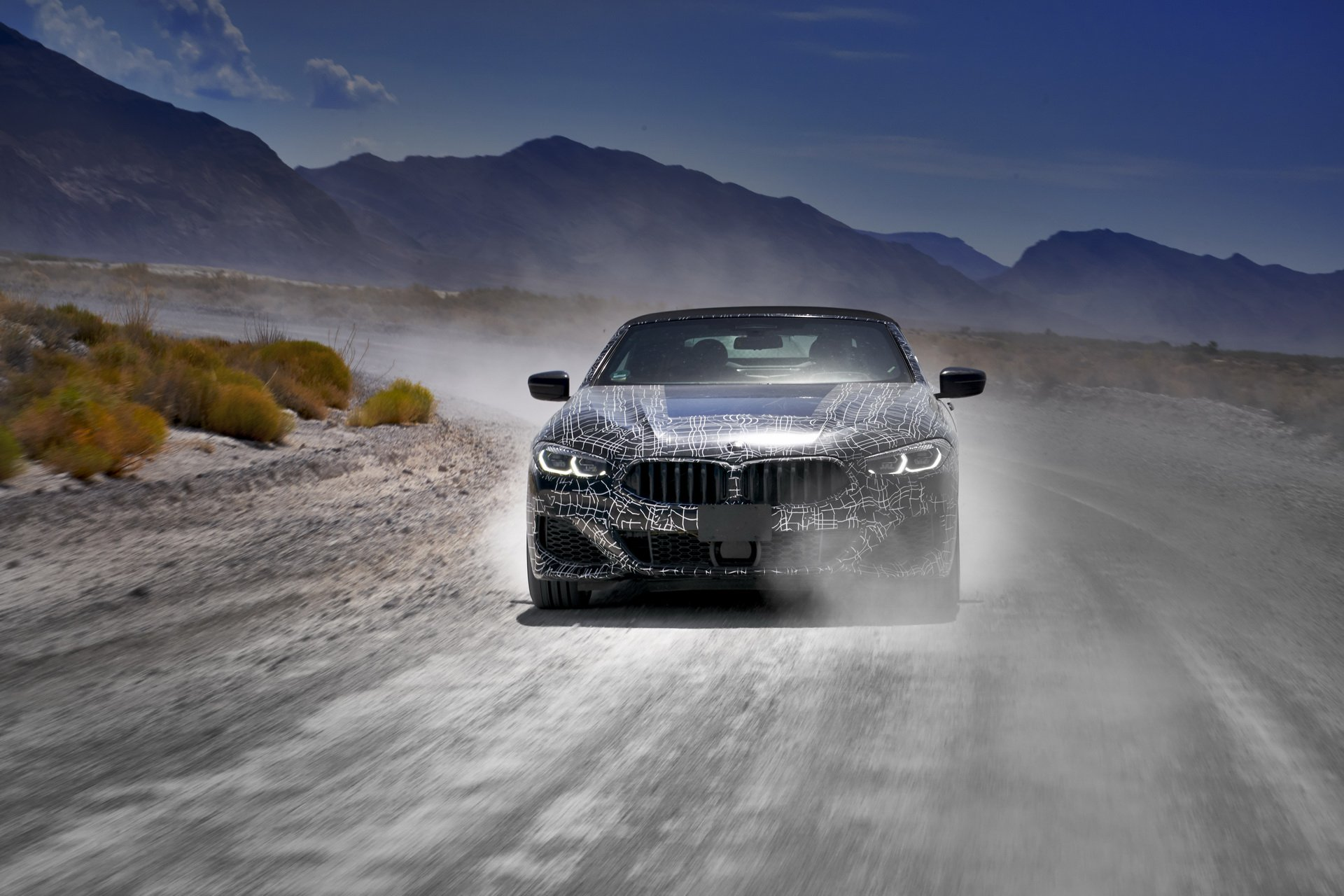 f28fb03a-bmw-8-series-cabrio-prototype-desert-tests-11