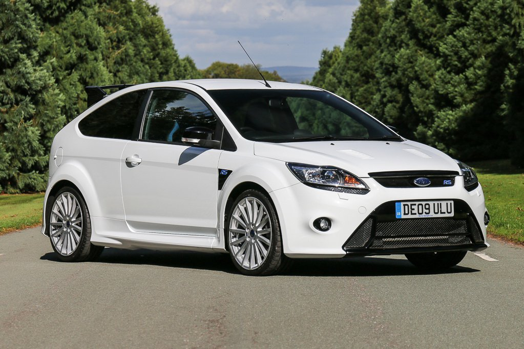 15b2e1b9-2009-ford-focus-rs-mk2-1