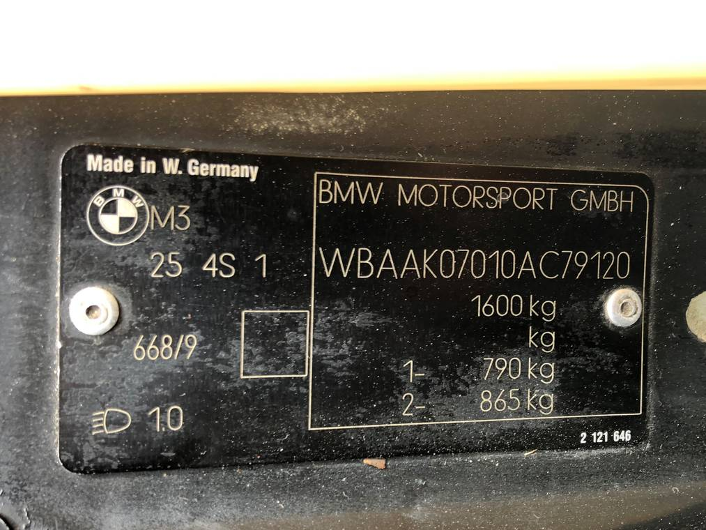 d6cce1ad-1991-bmw-m3-sport-evolution-9