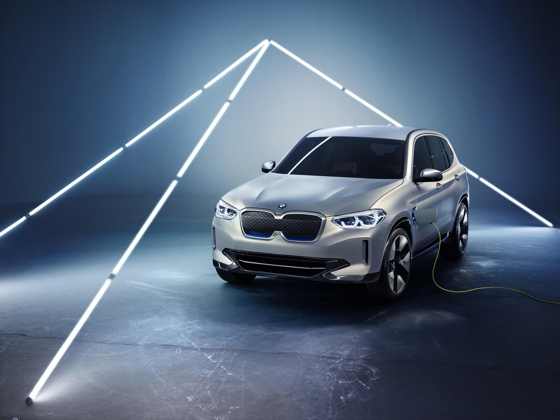 BMW_iX3_Concept_0006
