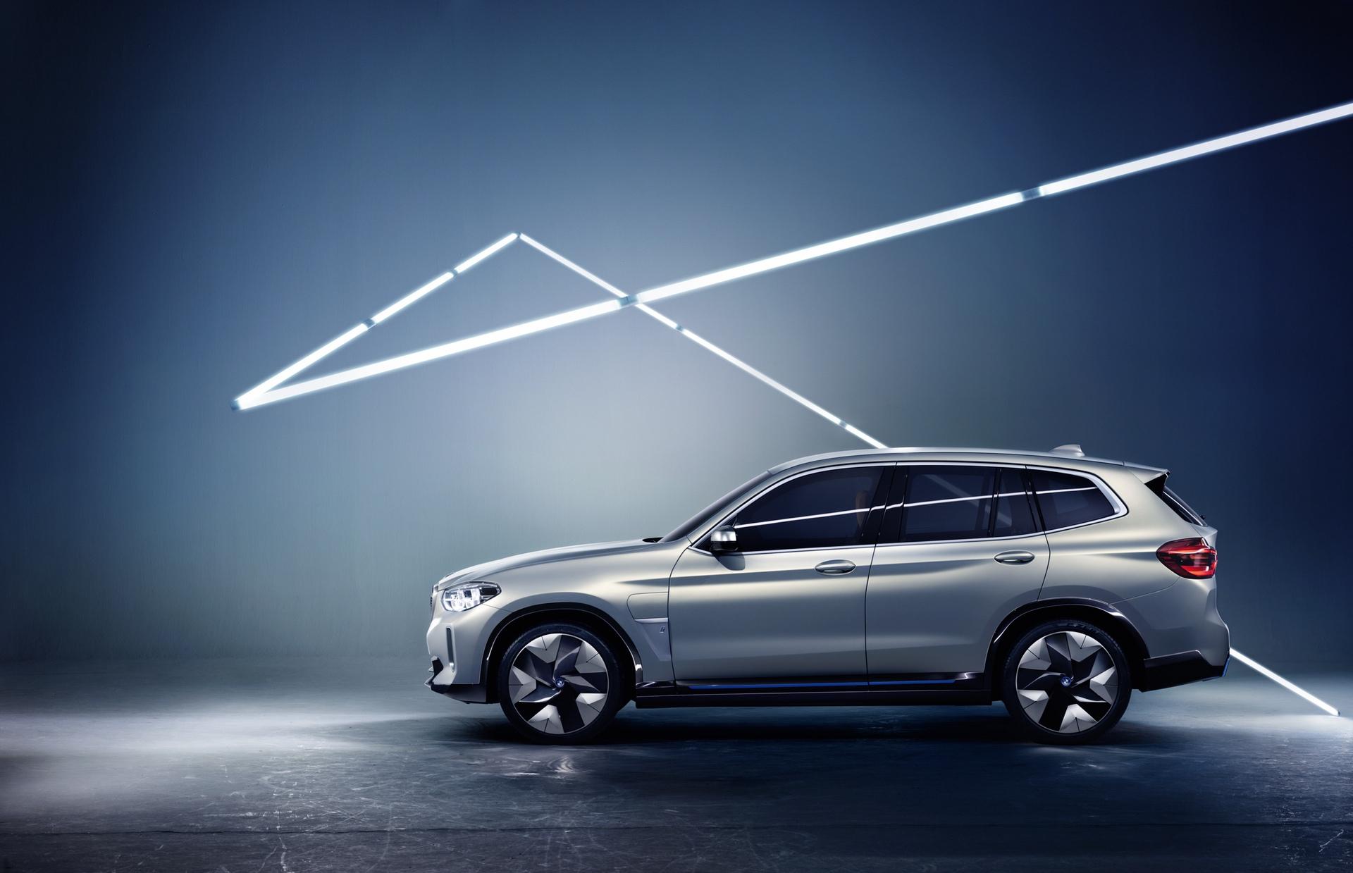 BMW_iX3_Concept_0007