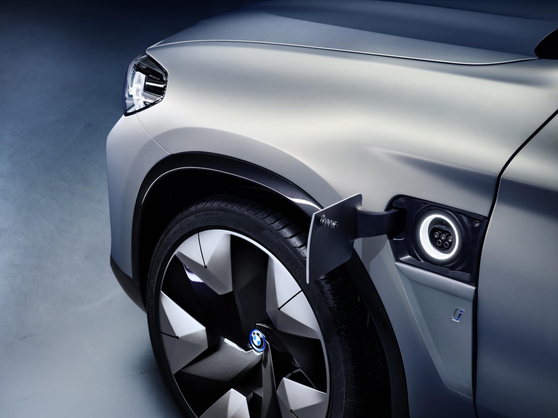 BMW_iX3_Concept_0010