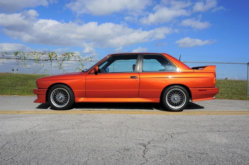BMW_M3_E30_Valencia_Orange_01
