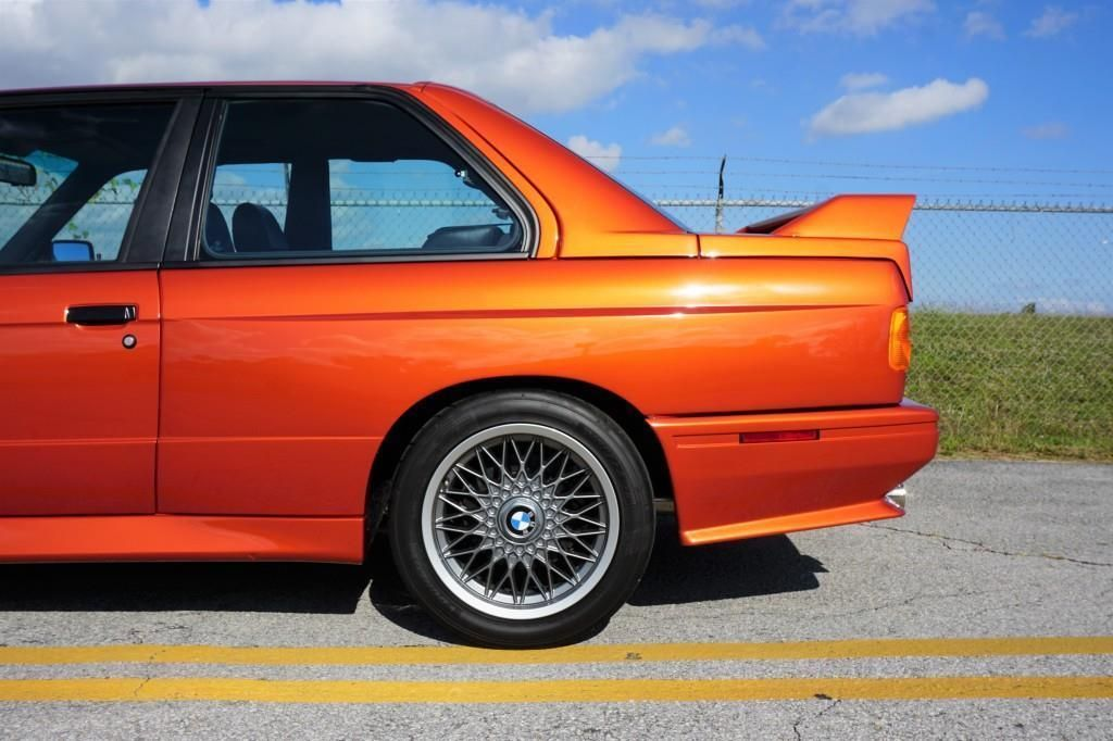 BMW_M3_E30_Valencia_Orange_03