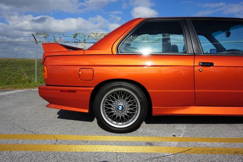 BMW_M3_E30_Valencia_Orange_16