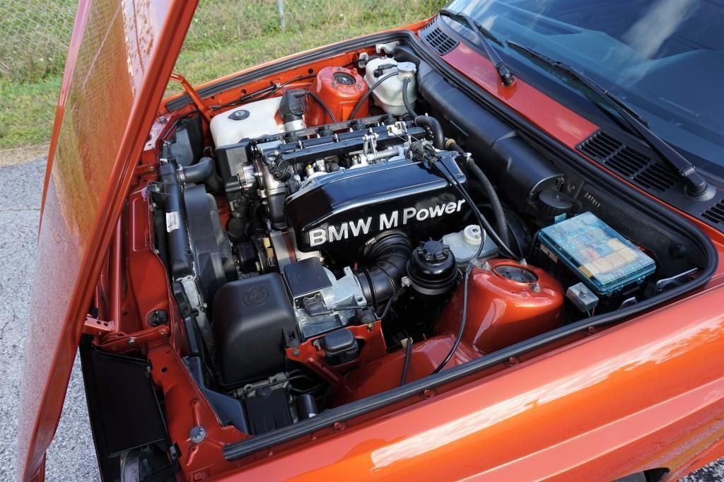 BMW_M3_E30_Valencia_Orange_18