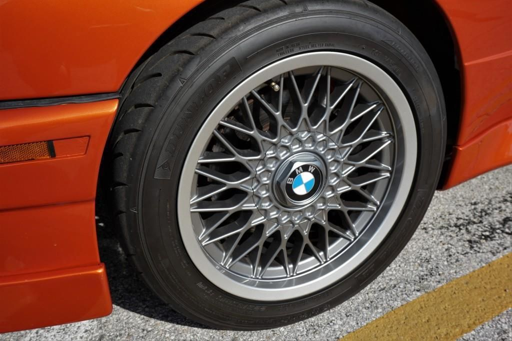 BMW_M3_E30_Valencia_Orange_20