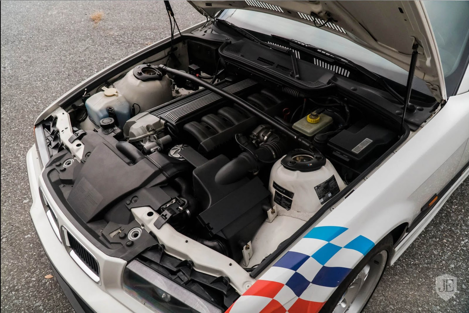 1995-BMW-M3-Lightweight-11