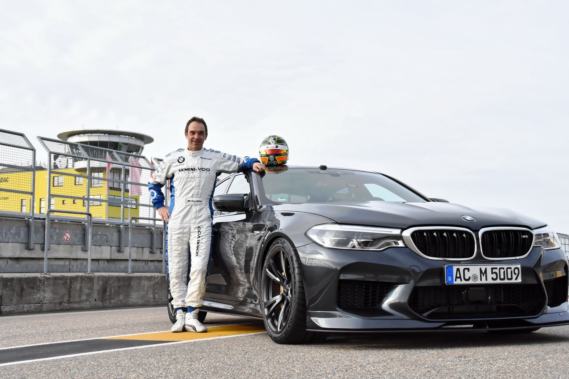 BMW_M5_Prototype_by_AC-Schnitzer_Sachsenring_0000