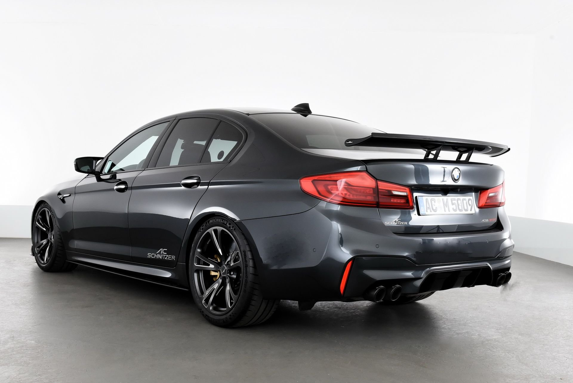 BMW_M5_Prototype_by_AC-Schnitzer_Sachsenring_0017