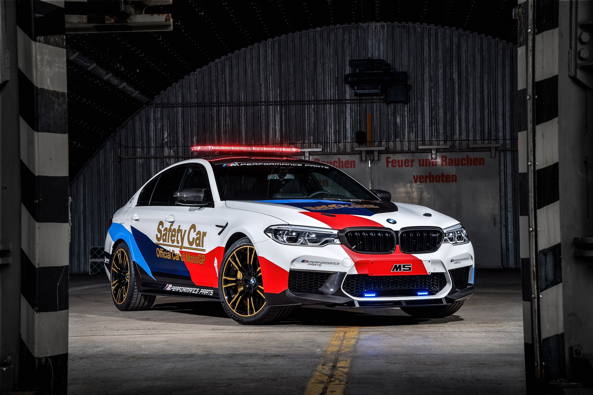 BMW_M5_Safety_Car_0001