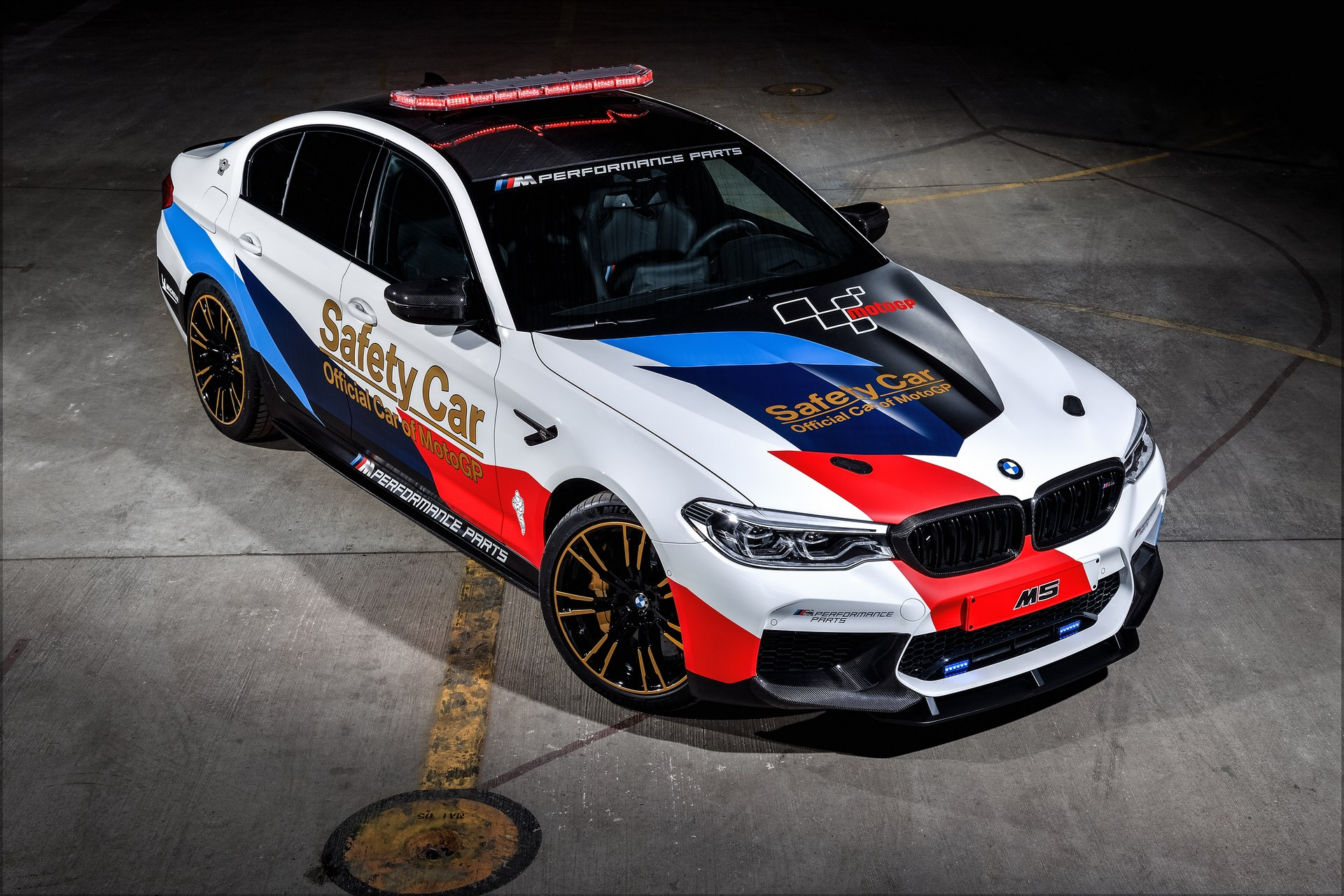 BMW_M5_Safety_Car_0003