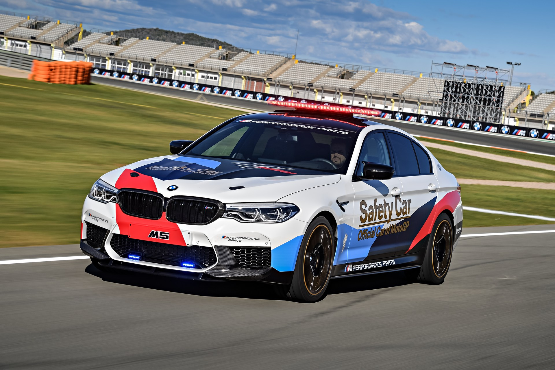 BMW_M5_Safety_Car_0005