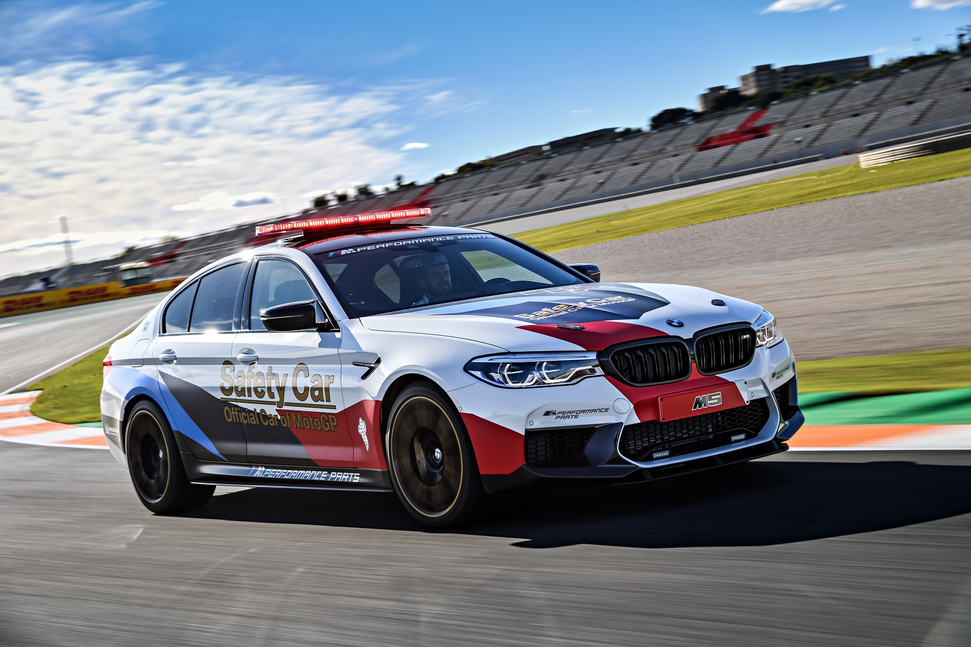 BMW_M5_Safety_Car_0007