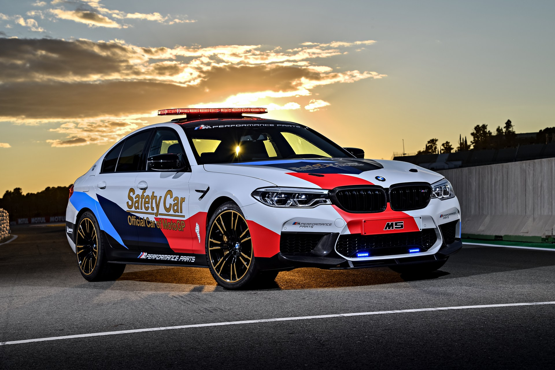 BMW_M5_Safety_Car_0010