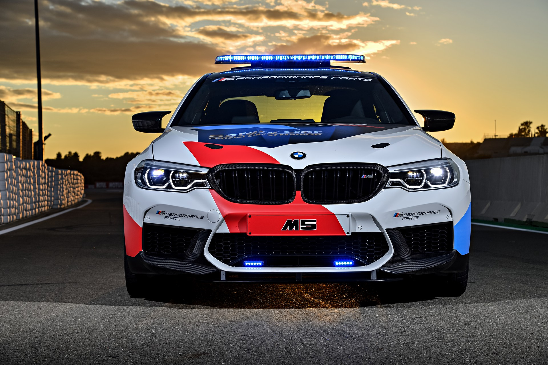 BMW_M5_Safety_Car_0011
