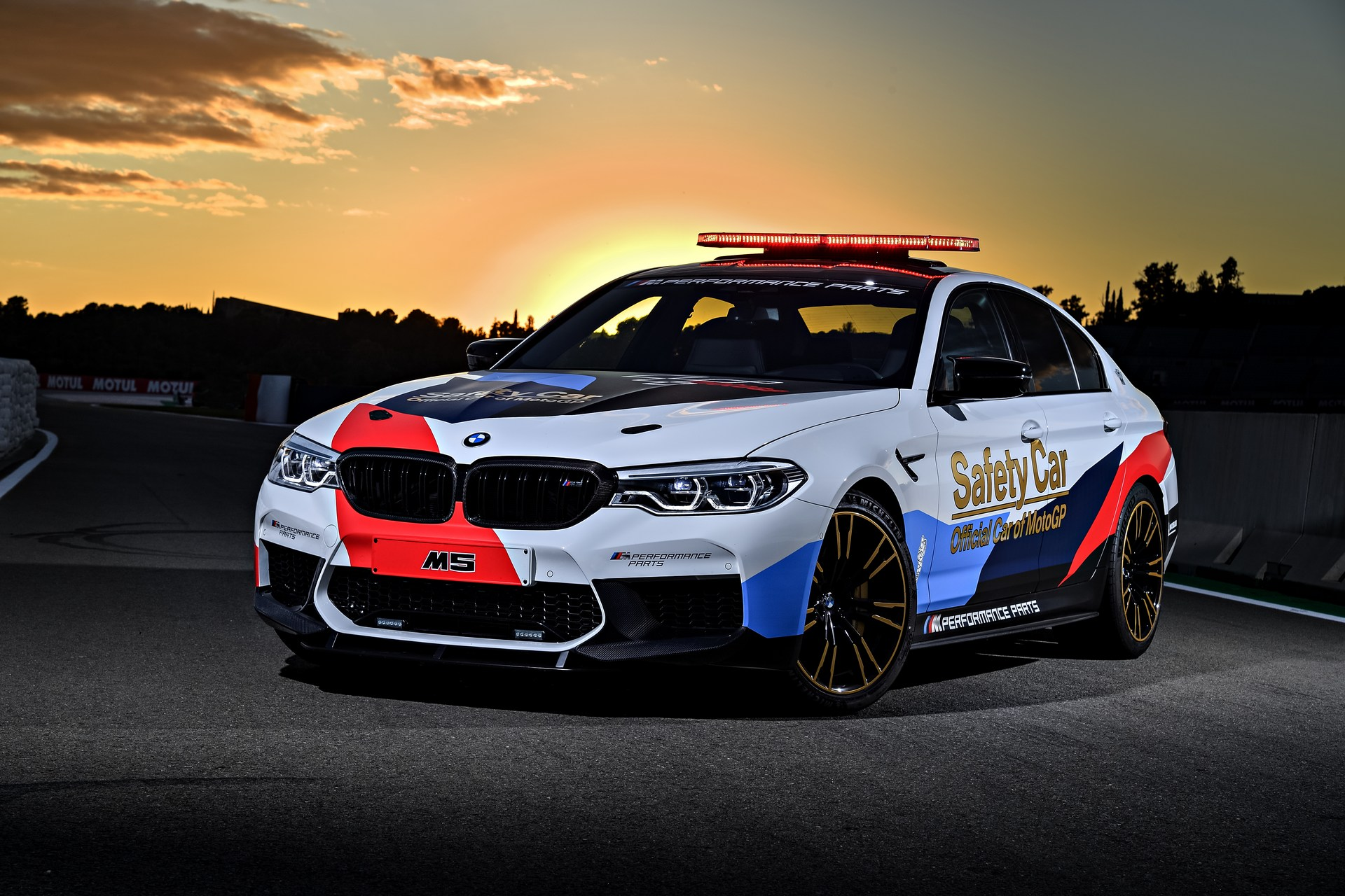 BMW_M5_Safety_Car_0012